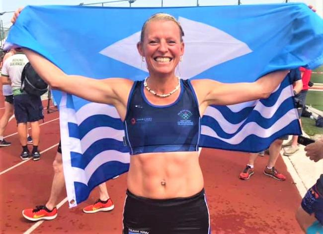 Team Isle of Wight won their tenth gold medal of the Island Games thanks to a superb run in the Gibraltar heat by Charlie Metcalfe this morning (Friday).