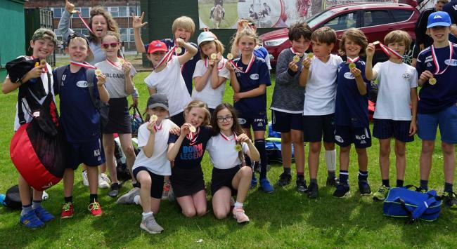 Niton Primary School at the Peach Games.