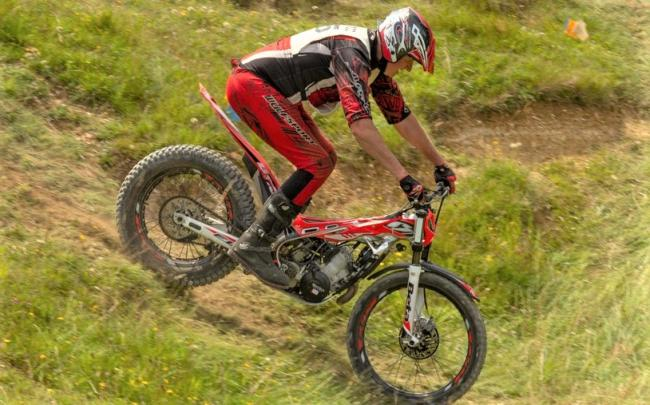 Mark Coombes in action in the first heat of the Isle of Wight Motorcycle Club Summer Trials Championships, at Newbarn Farm, Calbourne.  Photos: Viki Taylor