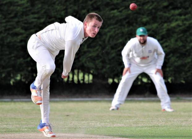 Isle of Wight County Press: Ryde I's Matt Webb in action against Northwood I at The Park, Cowes, on Saturday. Photo: Graham Brown
