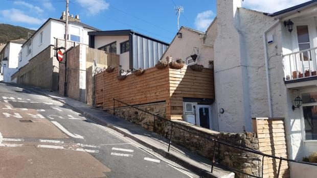 Isle of Wight County Press: The fencing in question, on the High Street property.