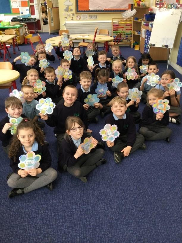 Isle of Wight County Press: Hunnyhill Primary School with their Blooming Well Together creations