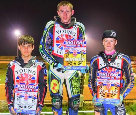 Isle of Wight County Press: Scunthorpe's Ryan Kingsley (centre), with runners-up Jordan Palin (Belle Vue) and Anders Rowe (Somerset/Kent) on the podium at last night's British U21 Championships at Smallbrook.