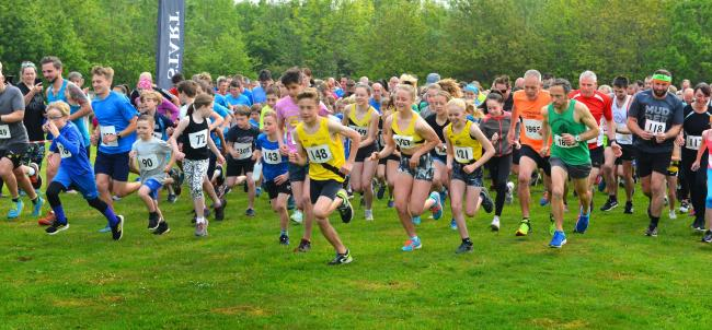 The start of the Newchurch Nine 4.5-mile and nine-mile races.  Photos: Jennifer Thompson