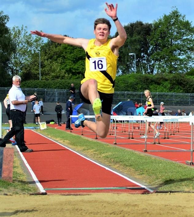 Ben Holdsworth, in the long jump, retained his Hampshire men's U20 pentathlon champion crown.