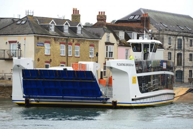 Cowes floating bridge pulled from service for further repairs.