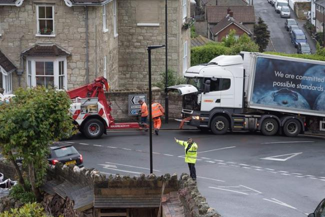 The lorry stuck at Spring Hill, Ventnor.