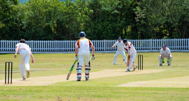 Ryde Cavaliers opener  Andy Loudon carried the bat with 72 not out as his side beat Fair Oak III at Smallbrook on Saturday.  FILE